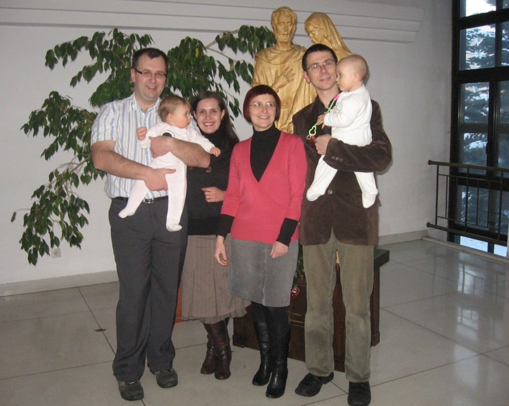 Na dzieci czekaliśmy długo, ale z ufnością. Radość przyszła – mówią (od lewej) Marek i Ania oraz Małgosia i Mateusz